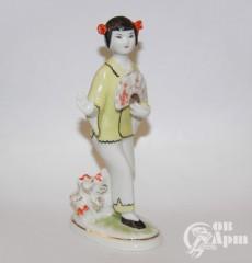 """Скульптура """"Китаянка с веером в желтом"""""""